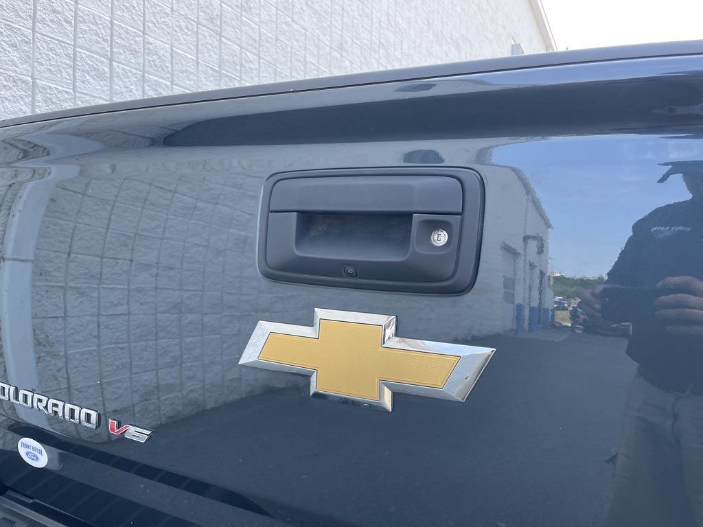 2017 Chevrolet Colorado Crew Cab 4x4, Pickup #P2776 - photo 14