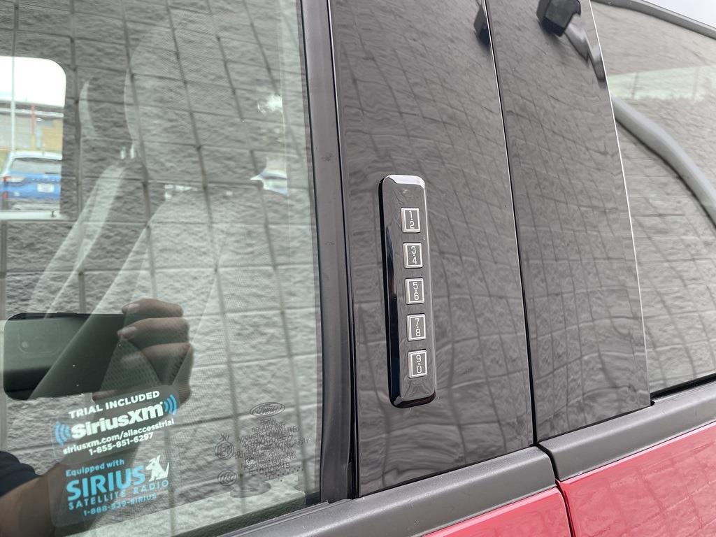 2018 Ford F-150 SuperCrew Cab 4x4, Pickup #T10212A - photo 15