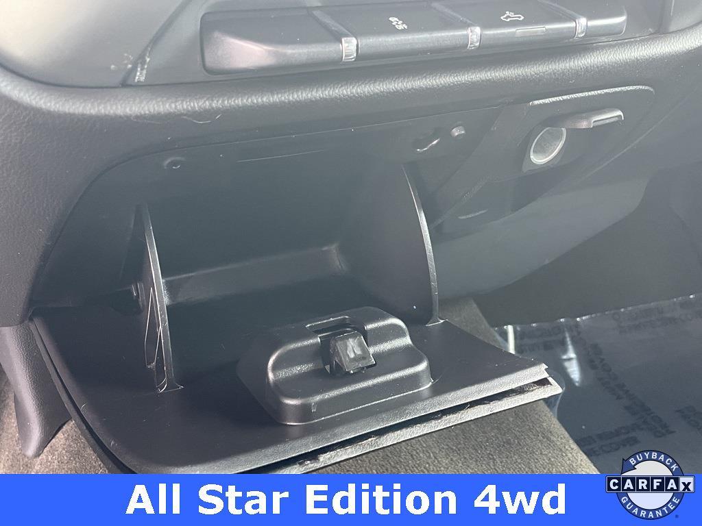 2016 Chevrolet Silverado 1500 Crew Cab 4x4, Pickup #T21051C - photo 35