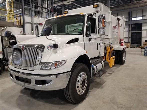2020 International DuraStar 4400 4x2, Curbtender Garbage Body #9731 - photo 1
