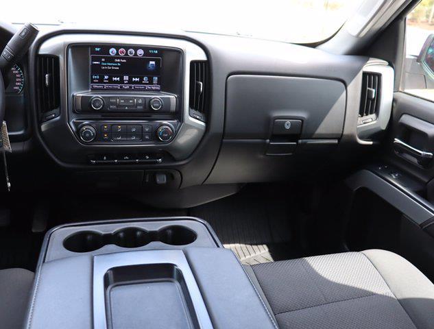 2018 Chevrolet Silverado 1500 Crew Cab 4x4, Pickup #DM62348G - photo 16