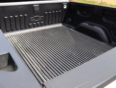2018 Chevrolet Silverado 1500 Crew Cab 4x4, Pickup #DM62348G - photo 10