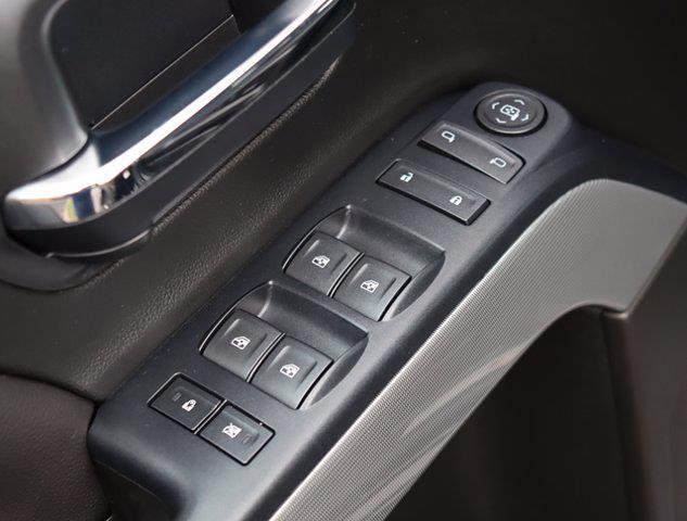 2017 Chevrolet Silverado 1500 Double Cab 4x4, Pickup #M00872G - photo 31