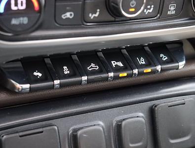2015 Chevrolet Silverado 1500 Crew Cab 4x4, Pickup #M27588G - photo 27