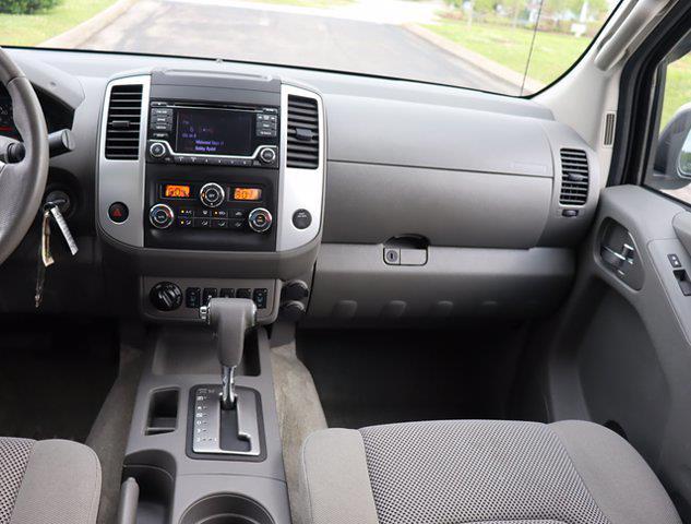 2016 Nissan Frontier Crew Cab 4x4, Pickup #M71005G - photo 16