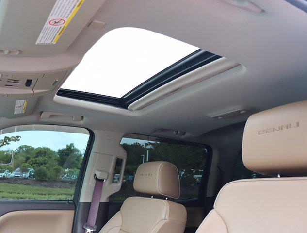 2017 GMC Sierra 2500 Crew Cab 4x4, Pickup #M75114H - photo 30