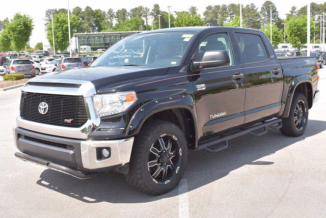 2017 Toyota Tundra Crew Cab 4x4, Pickup #DM08718A - photo 3