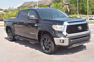 2017 Toyota Tundra Crew Cab 4x4, Pickup #DM08718A - photo 2