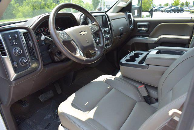 2017 Chevrolet Silverado 1500 Crew Cab 4x4, Pickup #M43523A - photo 9