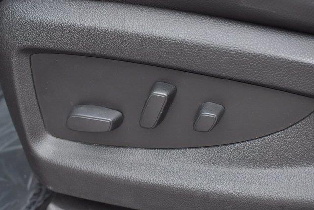 2018 Chevrolet Silverado 1500 Crew Cab 4x4, Pickup #M64646A - photo 17