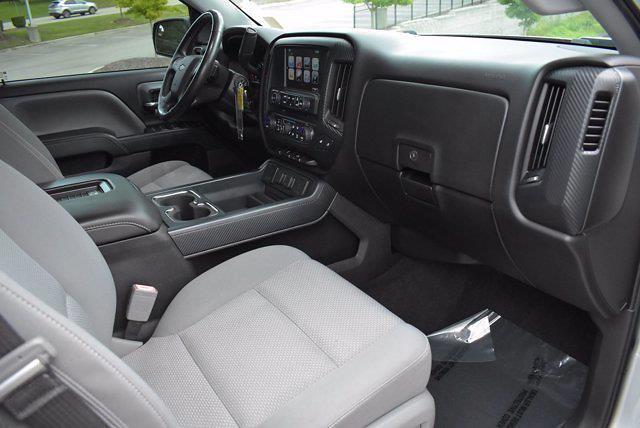 2017 Chevrolet Silverado 1500 Crew Cab 4x2, Pickup #M68113A - photo 17