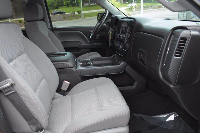2017 Chevrolet Silverado 1500 Crew Cab 4x2, Pickup #M68113A - photo 18