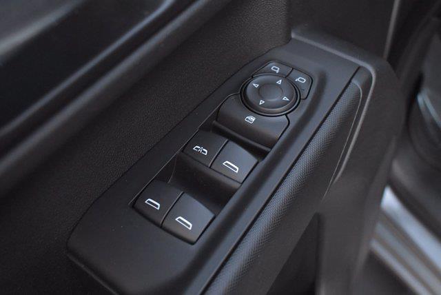 2020 Chevrolet Silverado 1500 Crew Cab 4x4, Pickup #XH08270A - photo 17