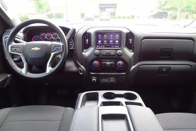 2021 Chevrolet Silverado 1500 Crew Cab 4x2, Pickup #DM22990A - photo 11
