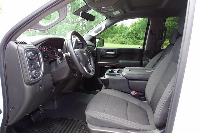 2021 Chevrolet Silverado 1500 Crew Cab 4x2, Pickup #DM22990A - photo 15