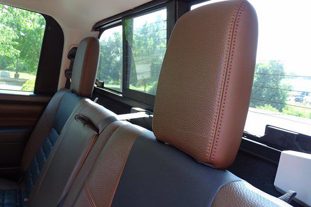 2018 Nissan Titan Crew Cab 4x4, Pickup #M27305B - photo 37