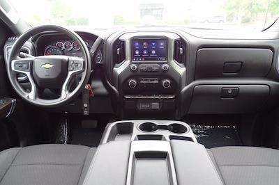 2020 Chevrolet Silverado 1500 Crew Cab 4x4, Pickup #SA7956 - photo 10