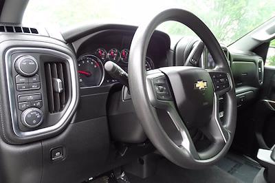 2020 Chevrolet Silverado 1500 Crew Cab 4x4, Pickup #SA7956 - photo 18