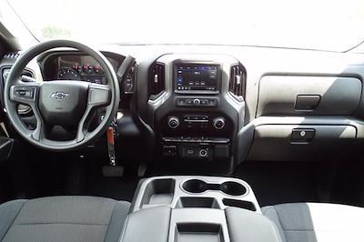 2019 Chevrolet Silverado 1500 Crew Cab 4x4, Pickup #SA8056 - photo 10