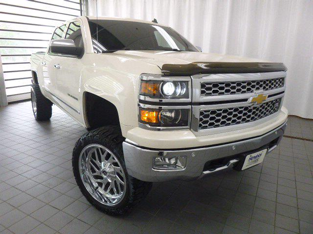 2014 Chevrolet Silverado 1500 Crew Cab 4x4, Pickup #MB8598C - photo 3