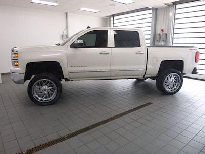 2014 Chevrolet Silverado 1500 Crew Cab 4x4, Pickup #MB8598C - photo 4
