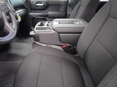 2021 Chevrolet Silverado 1500 Crew Cab 4x4, Pickup #MB8865 - photo 17