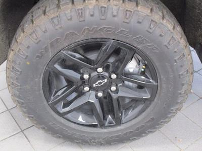 2021 Chevrolet Silverado 1500 Crew Cab 4x4, Pickup #MB8870 - photo 15