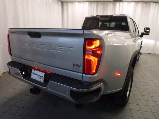 2020 Chevrolet Silverado 3500 Crew Cab 4x4, Pickup #MN8584A - photo 2
