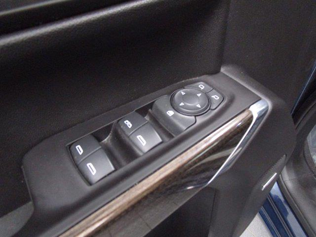 2020 Chevrolet Silverado 1500 Crew Cab 4x4, Pickup #PSN0751 - photo 16