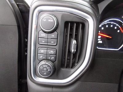 2020 Chevrolet Silverado 1500 Crew Cab 4x4, Pickup #PSN0751 - photo 18