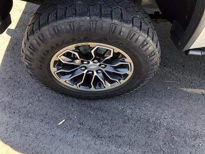 2018 Chevrolet Colorado Crew Cab 4x4, Pickup #SAN0660 - photo 10