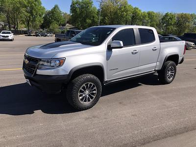 2018 Chevrolet Colorado Crew Cab 4x4, Pickup #SAN0660 - photo 3