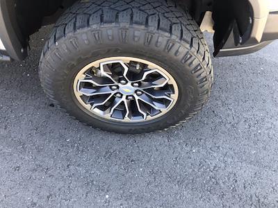 2018 Chevrolet Colorado Crew Cab 4x4, Pickup #SAN0660 - photo 9