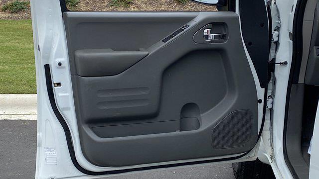 2017 Nissan Frontier Crew Cab 4x2, Pickup #M400191B - photo 30