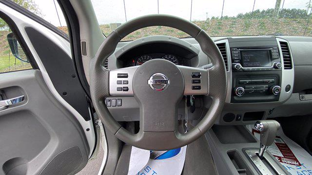 2017 Nissan Frontier Crew Cab 4x2, Pickup #M400191B - photo 33