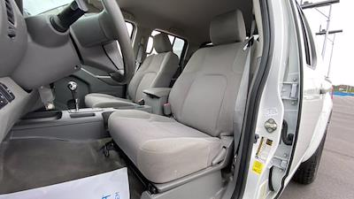 2017 Nissan Frontier Crew Cab 4x2, Pickup #M400191B - photo 32