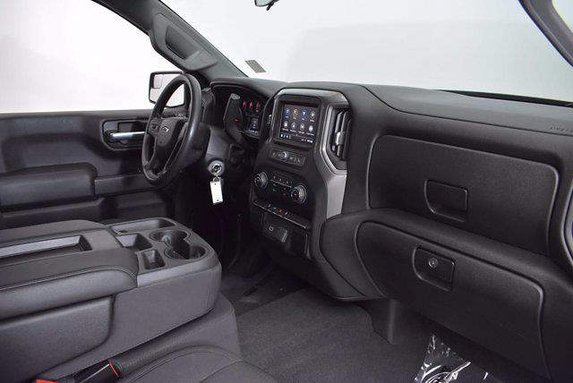 2020 Chevrolet Silverado 1500 Crew Cab 4x4, Pickup #L20066A - photo 17