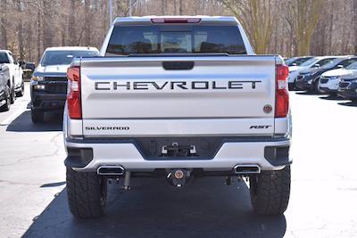 2020 Chevrolet Silverado 1500 Crew Cab 4x4, Pickup #L32338 - photo 3