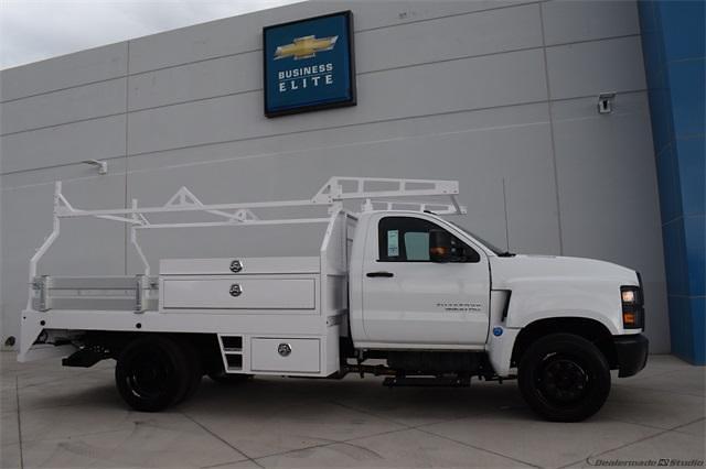 2021 Silverado 5500 Regular Cab DRW 4x2,  Contractor Body #214931 - photo 2