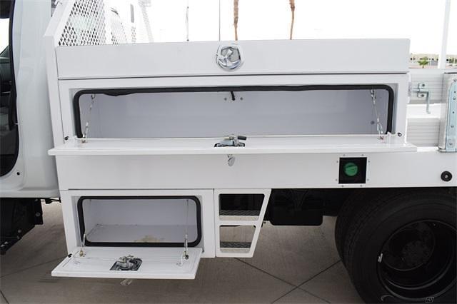 2021 Silverado 5500 Regular Cab DRW 4x2,  Contractor Body #214931 - photo 9
