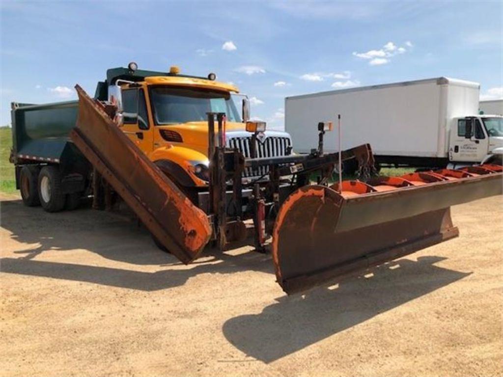 2011 International WorkStar 7400 6x4, Dump Body #123841 - photo 1