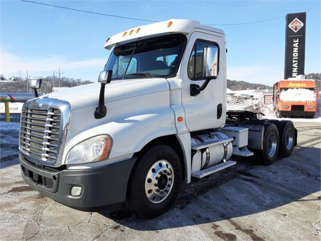 2013 Freightliner Truck 6x4, Tractor #169083 - photo 1