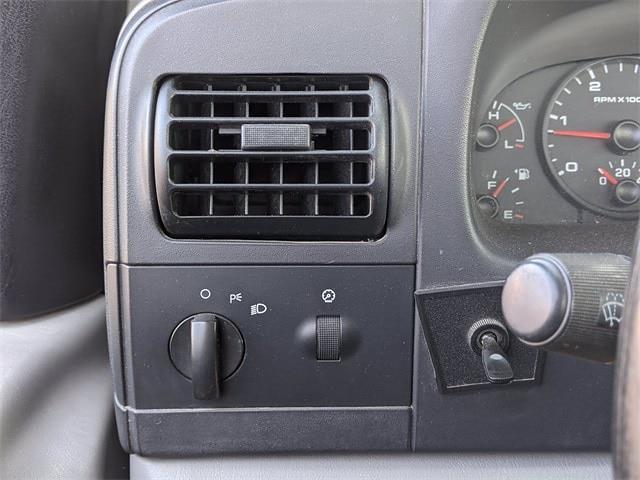 2005 Ford F-350 Regular Cab DRW 4x2, Mechanics Body #UT9166M - photo 17