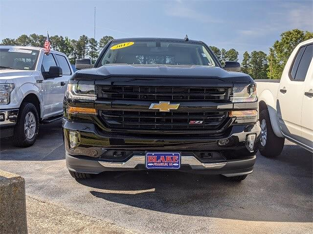 2017 Chevrolet Silverado 1500 Crew Cab 4x4, Pickup #UT9302 - photo 2