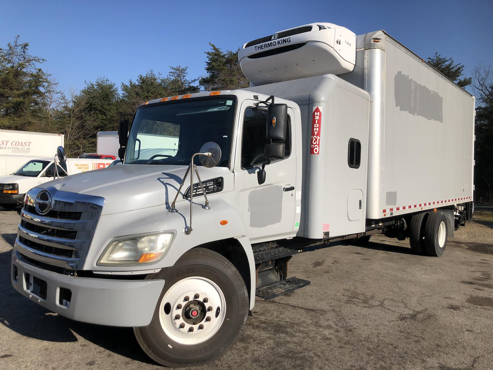 "2012 Hino Truck, 22ft box, 60"" sleeper, reefer, tuck under liftgate #S52145 - photo 1"