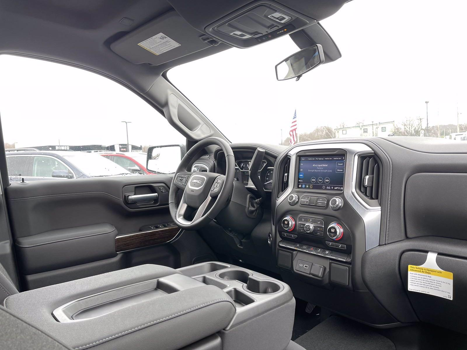 2021 GMC Sierra 1500 Crew Cab 4x4, Pickup #21483 - photo 16