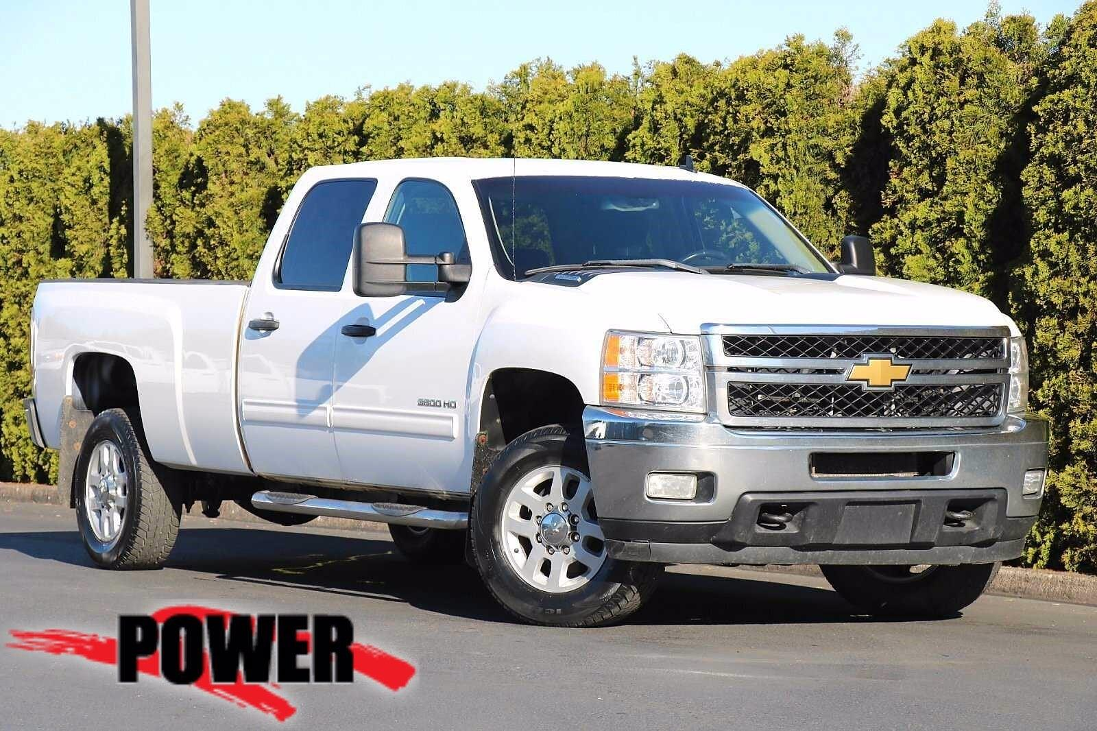 2011 Chevrolet Silverado 3500 Crew Cab 4x4, Pickup #P28791 - photo 1