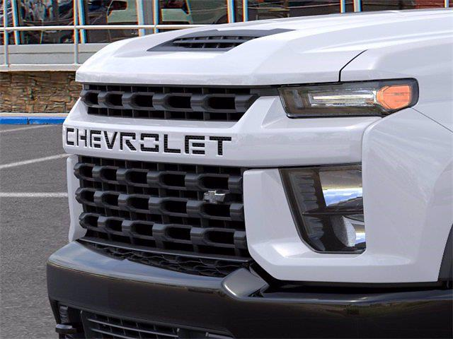 2021 Chevrolet Silverado 2500 Crew Cab 4x4, Pickup #71421 - photo 11