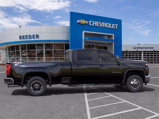 2021 Chevrolet Silverado 3500 Crew Cab 4x4, Pickup #71451 - photo 5