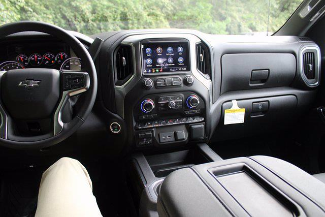 2021 Chevrolet Silverado 1500 Crew Cab 4x4, Pickup #71661 - photo 2